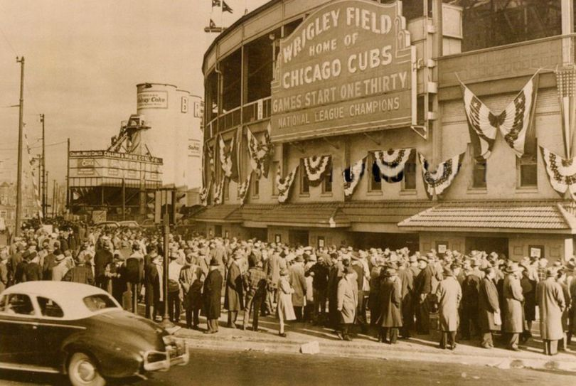 Chicago-Cubs-Wrigley-Field-World-Series-1945.jpg